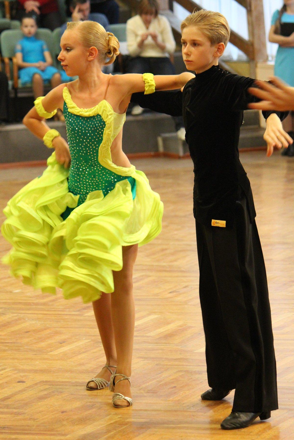 Фото платья на бальные танцы