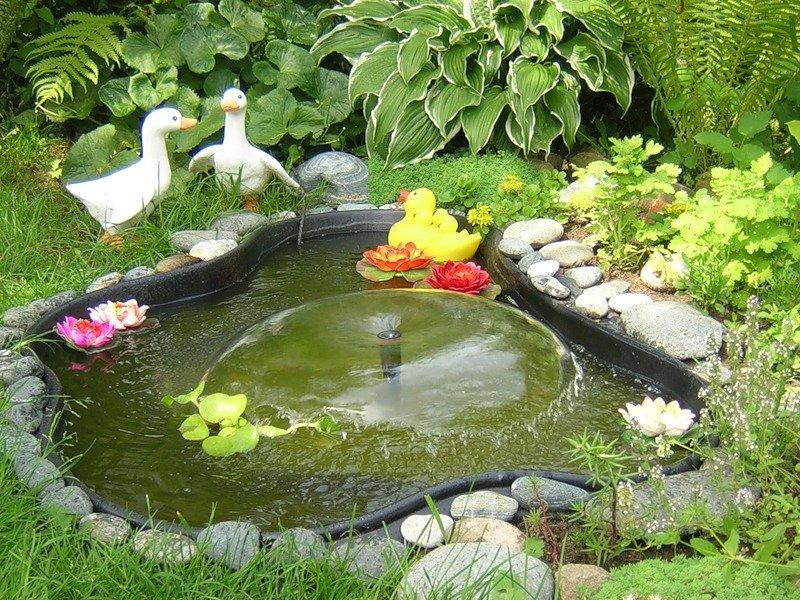 Декоративный бассейн для сада