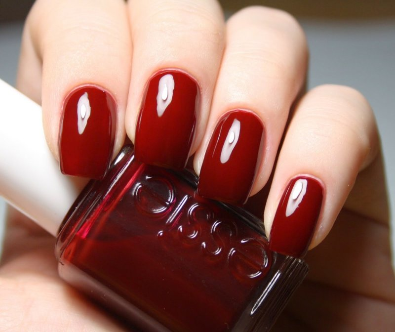 Красно бордовые ногти