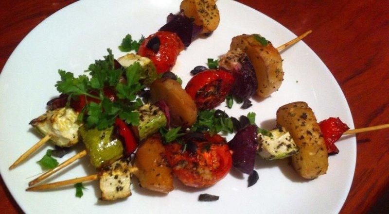 Шашлычки в духовке с овощами