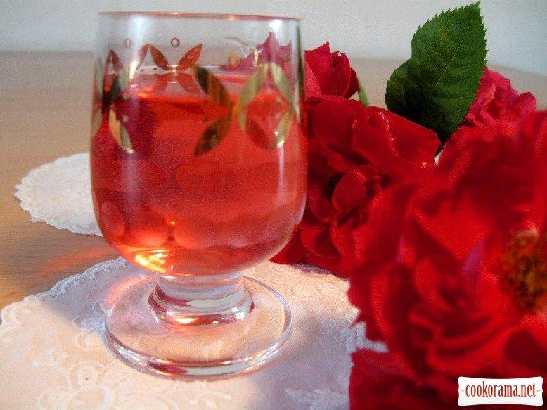 Рецепт лікеру з рози