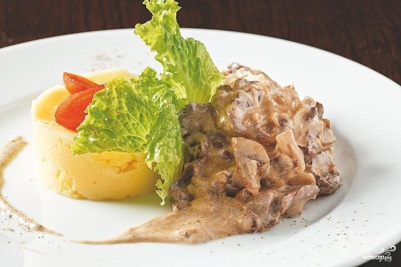 Бефстроганов из говядины с грибами - рецепт с фото как приготовить на mobibamskru