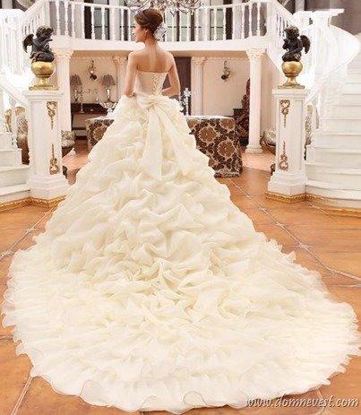 Фото свадебное платье с шлейфом