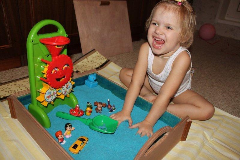 Домашняя песочница для детей своими руками
