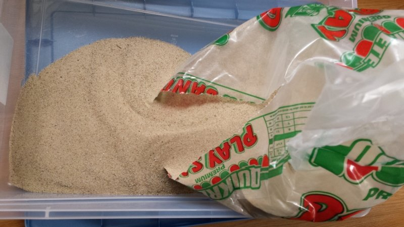Как сделать кинетический песок без крахмала и песка