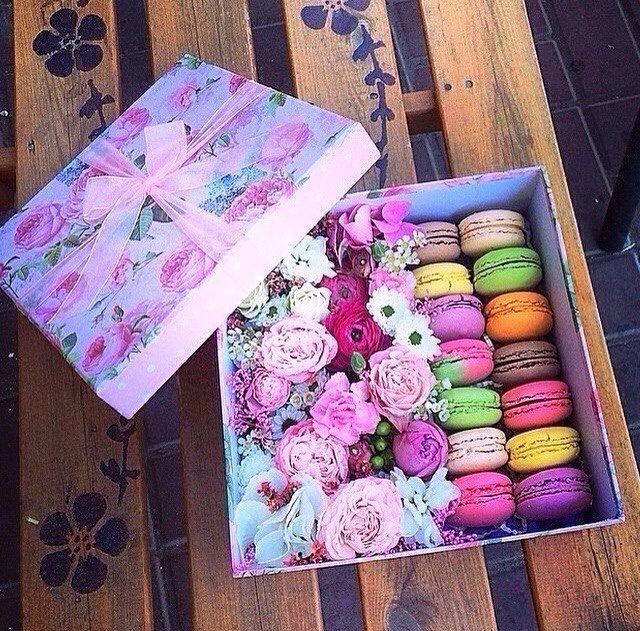 Коробки с цветами и печеньем своими руками 457