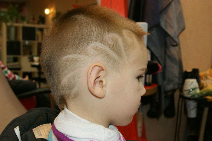 Прически в парикмахерской для детей