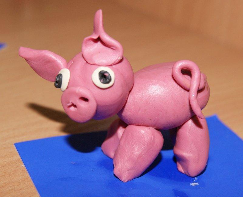 Поделка из пластилина свиньи