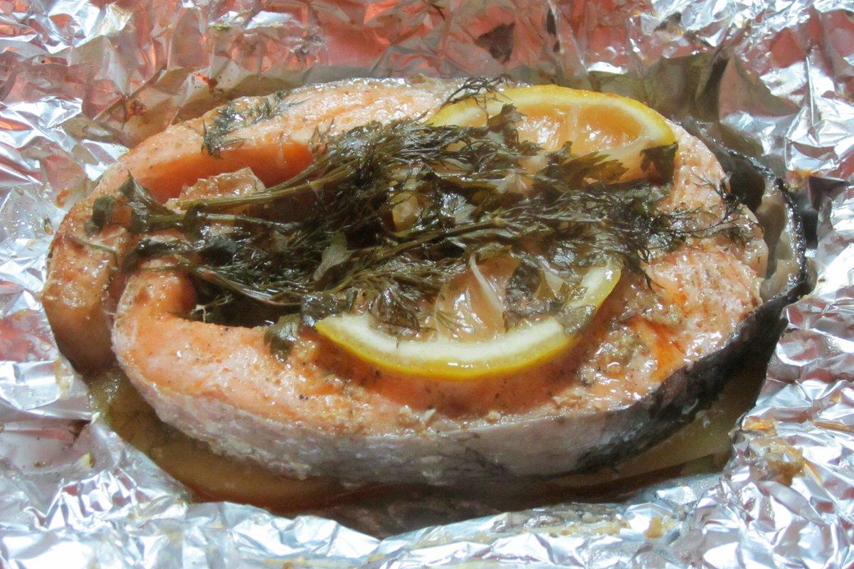 Красная рыба в фольге в духовке порционно