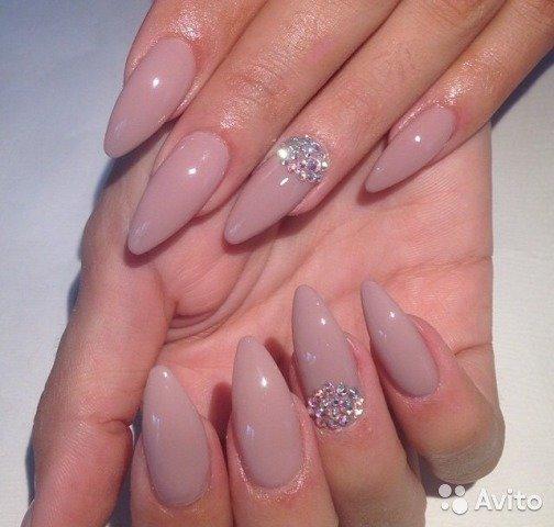 Миндалевидный дизайн ногтей