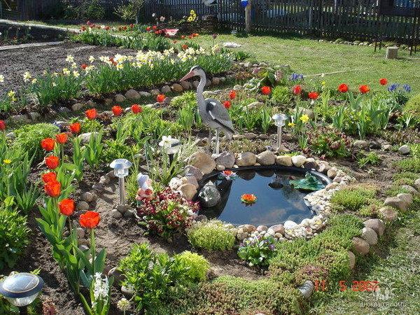 Дачные клумбы своими руками для украшения сада