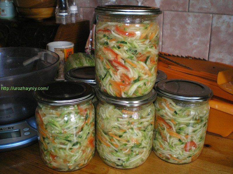 Консервация салата из кабачков с