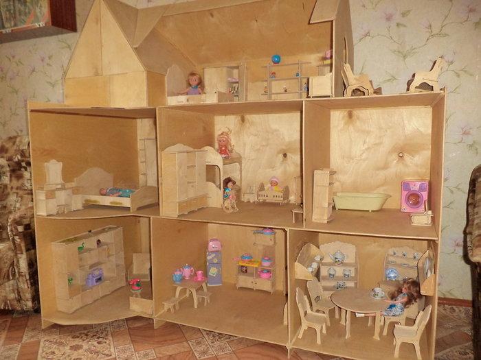 Как сделать дом для кукол своими руками из коробки фото