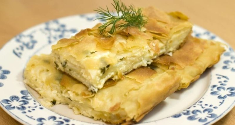 Пирог из лаваша с сыром и зеленью по