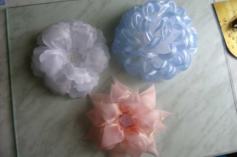 Сделать цветок из капроновой ленты
