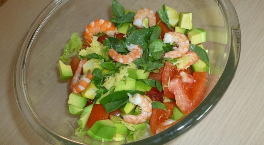 Салат с креветками и авокадо с фото