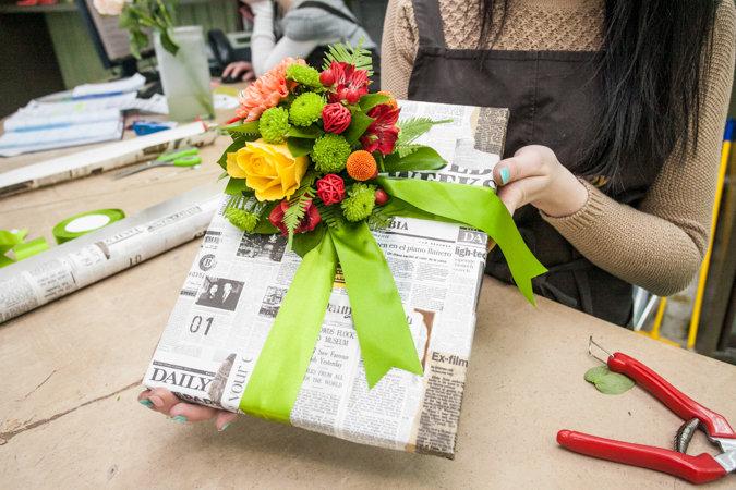 Необычный подарок с цветами