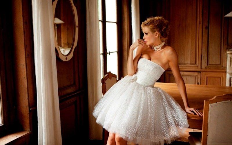 Короткое свадебное платье пышное