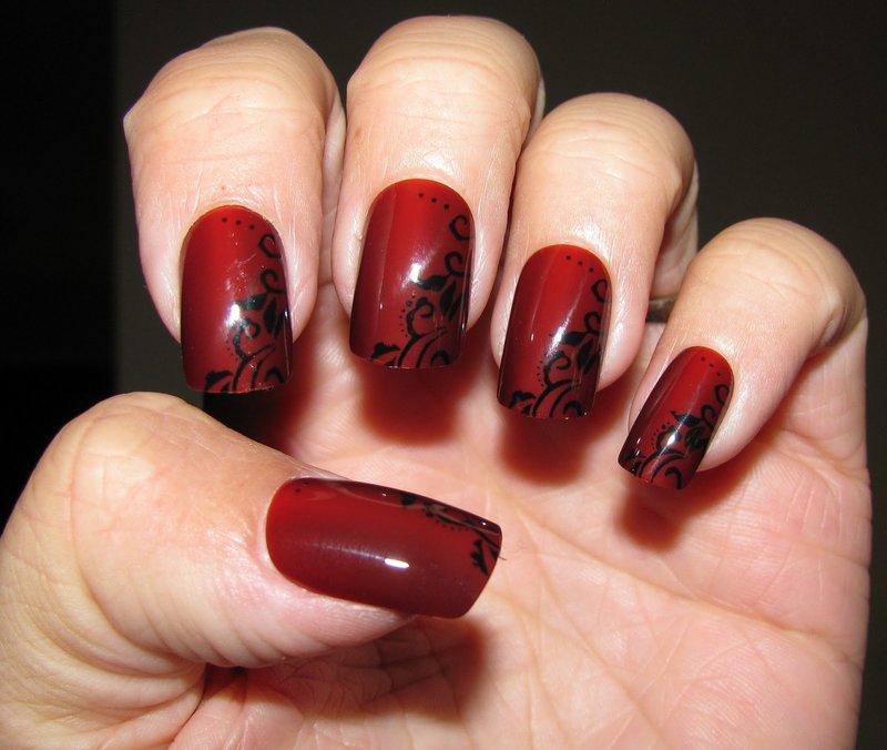 Дизайн ногтей красного и черного
