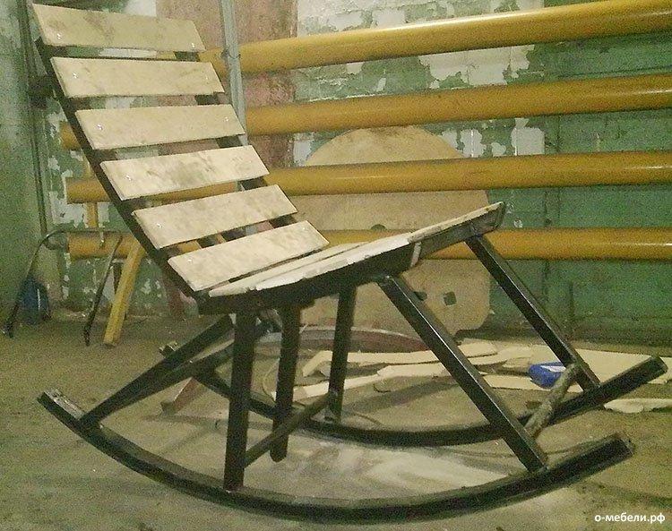 Дачные кресло качалки своими руками
