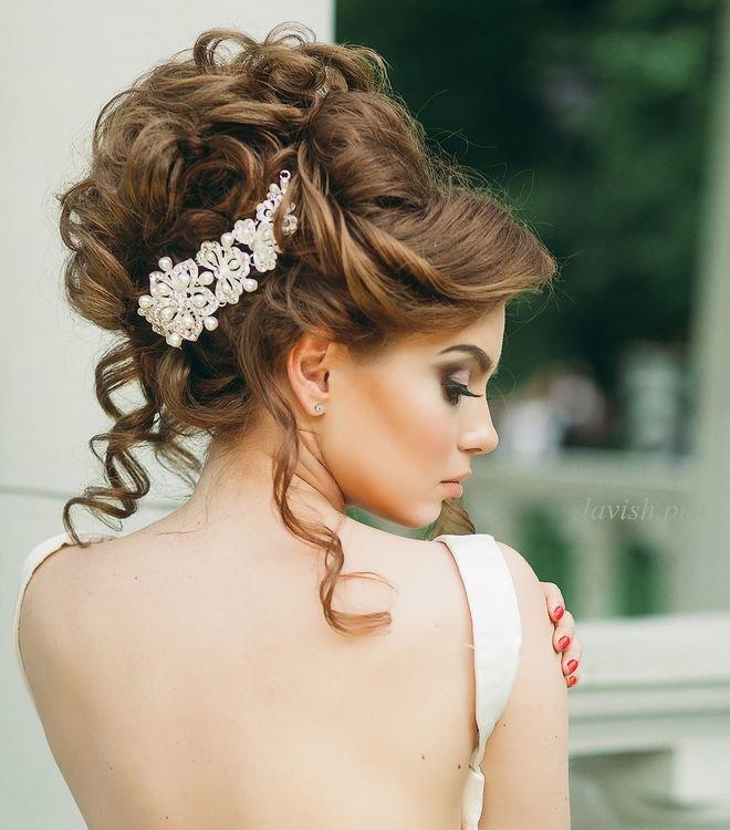 Прическа для невесты собранная