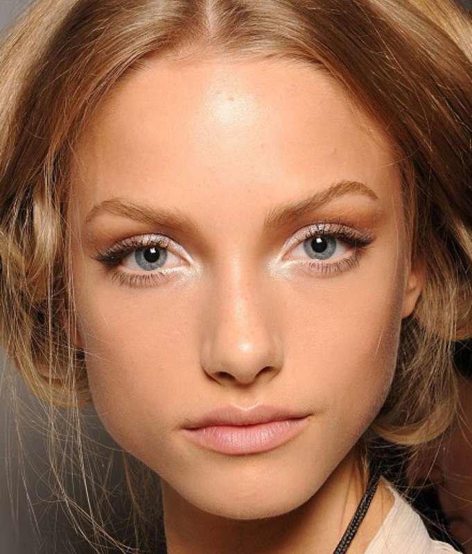 Как сделать бледный макияж