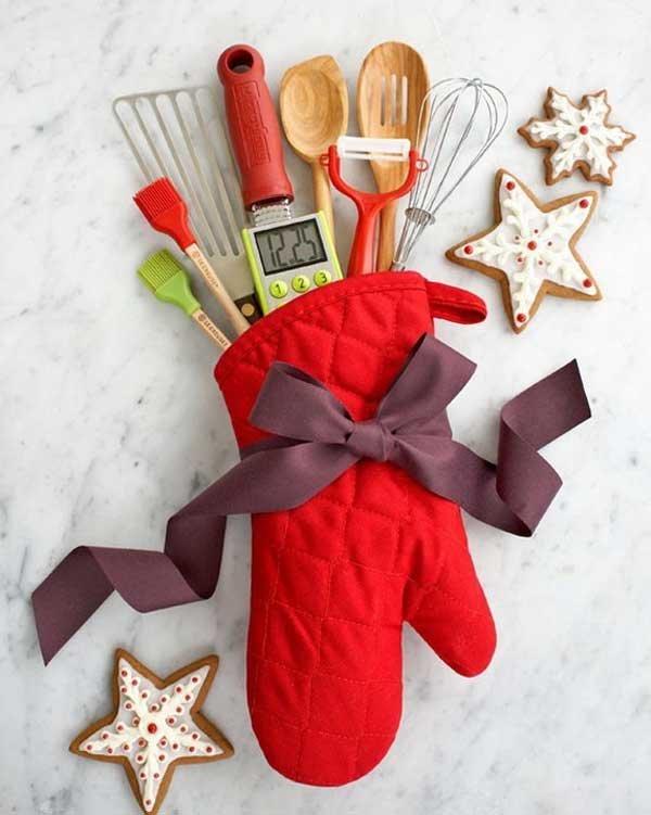 Что подарить на новый год маме недорого