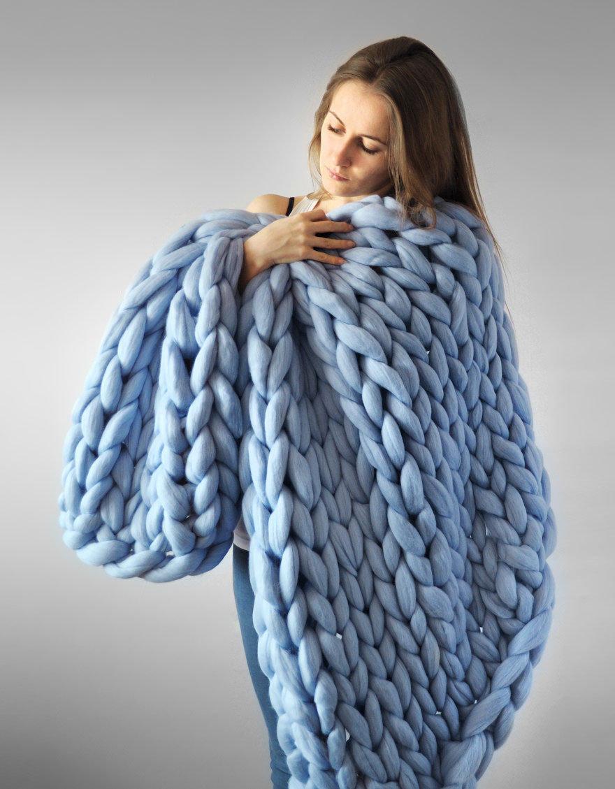 Очень толстая нитка для вязания 726
