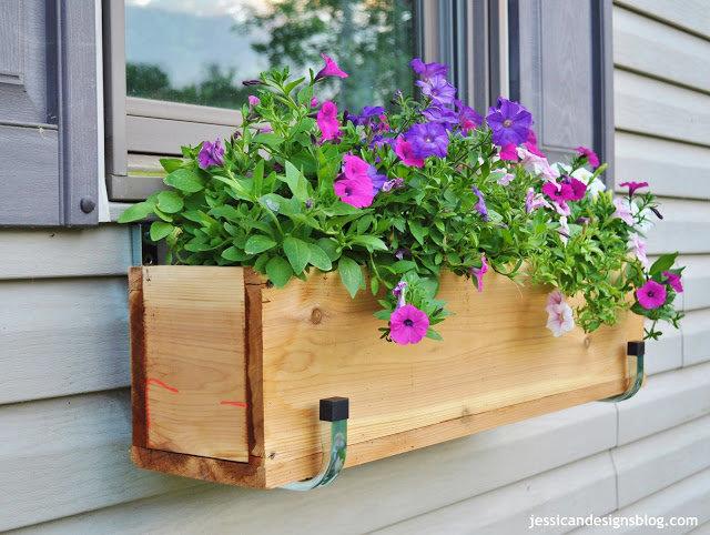 Ящик для цветов на подоконник своими руками