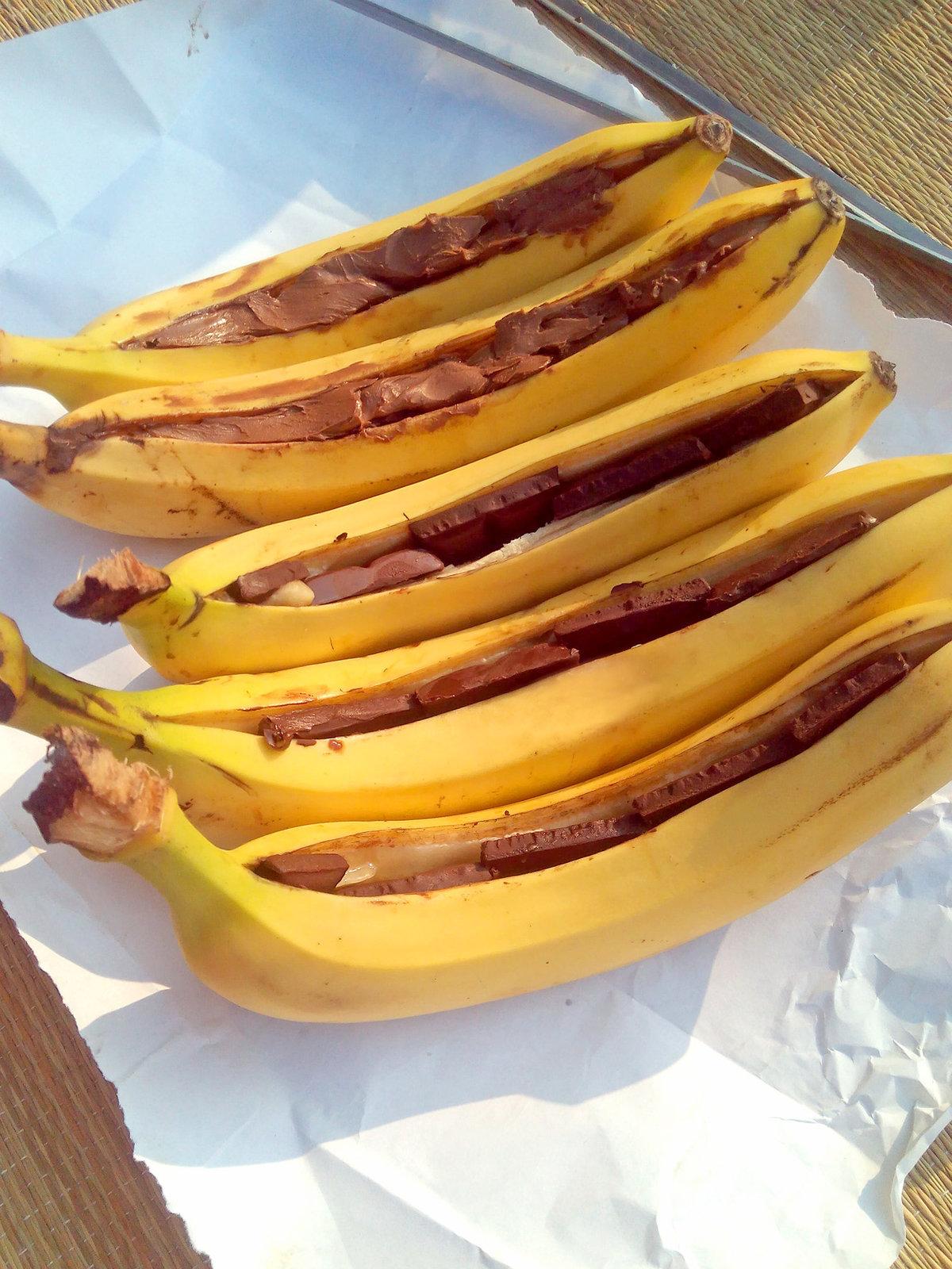 Банан с шоколадом на мангале - пошаговый рецепт с фото на