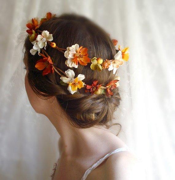 Свадебная причёска с осенним венком - карточка от пользователя Елена Назар в Яндекс.Коллекциях
