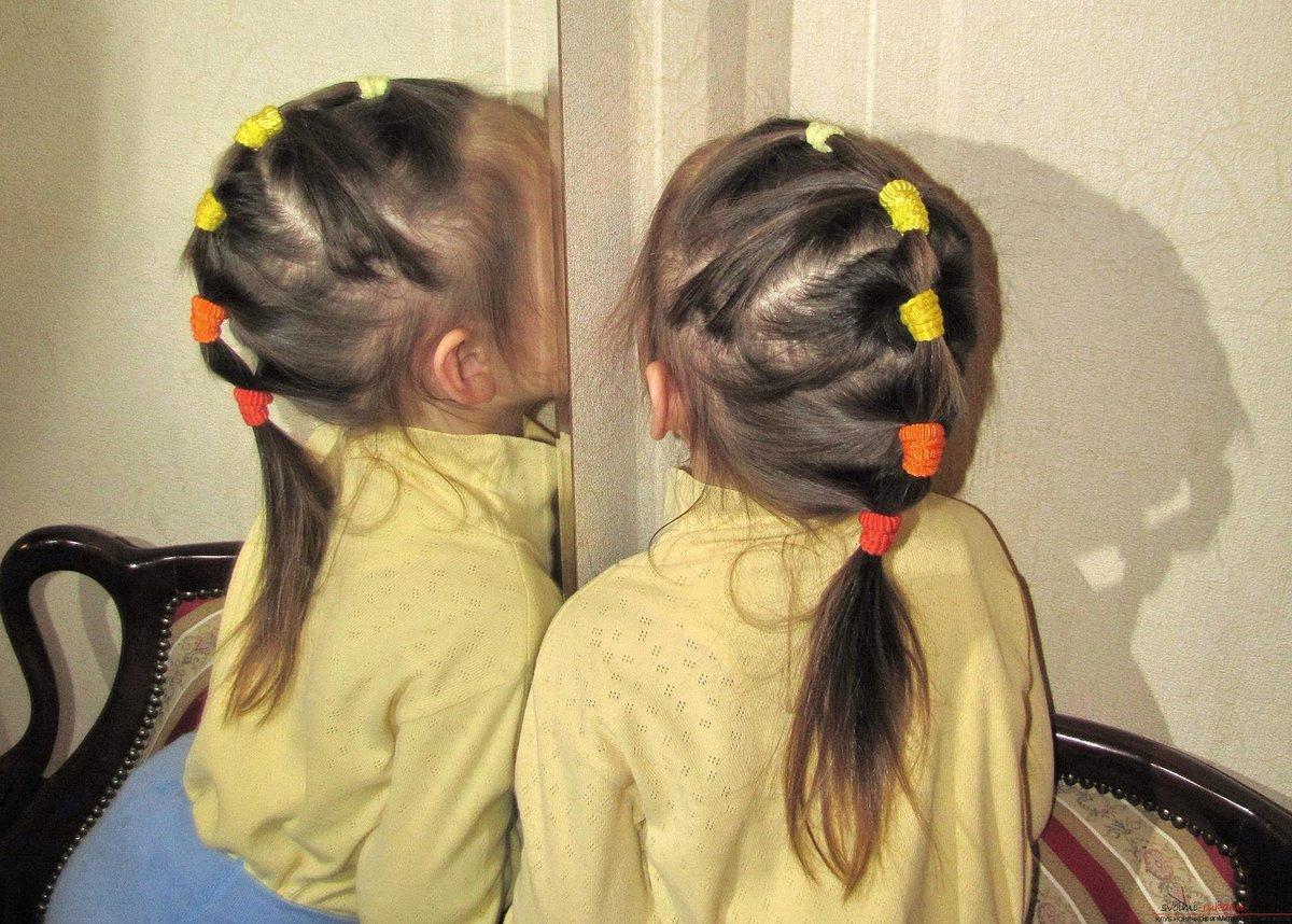 Фото причесок для девочек из хвостиков с резинками