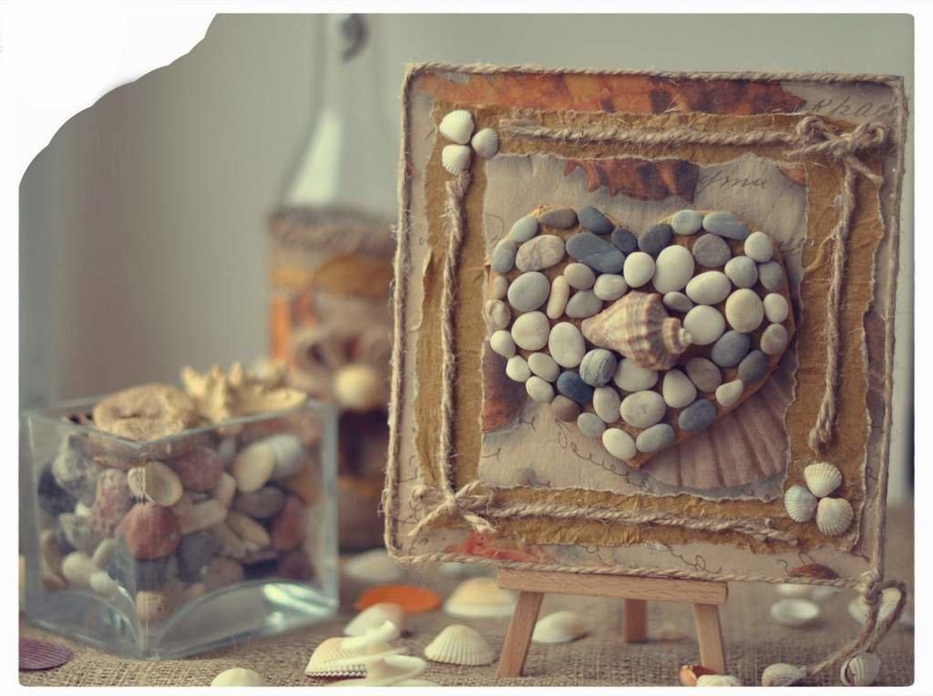 Поделки из камней в рамке