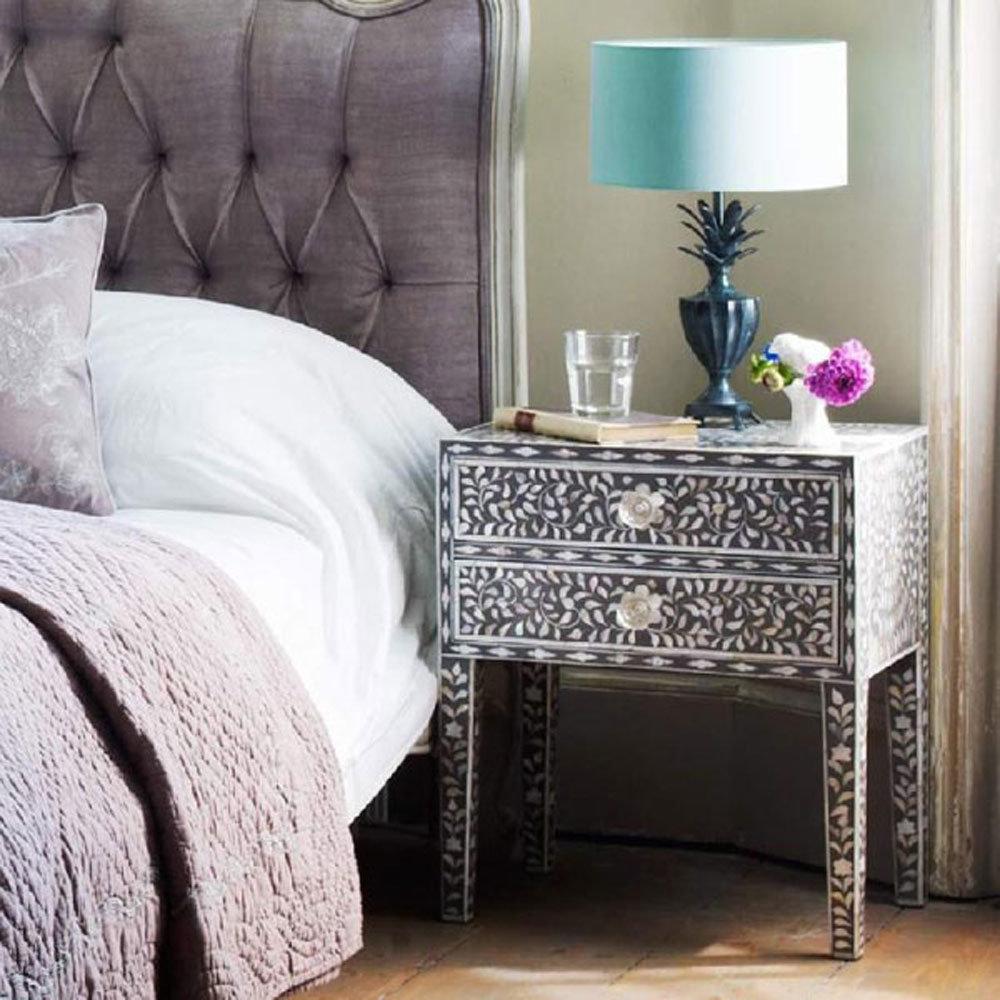 Столики для спальни своими руками 26