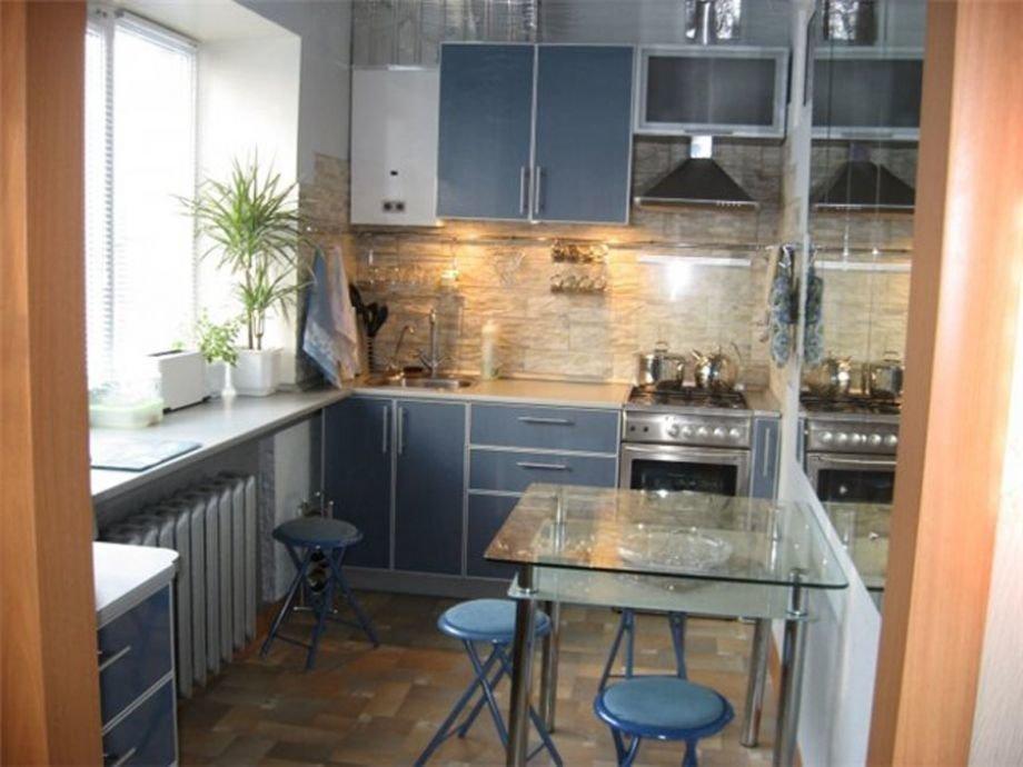 Кухня 75 кв м дизайн с холодильником
