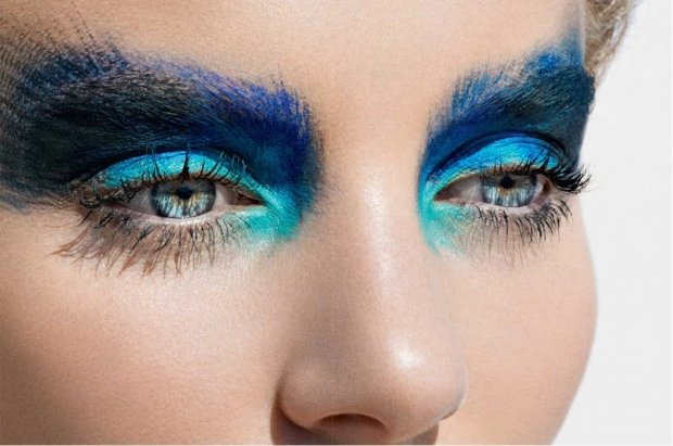 Макияж голубых глаз без теней