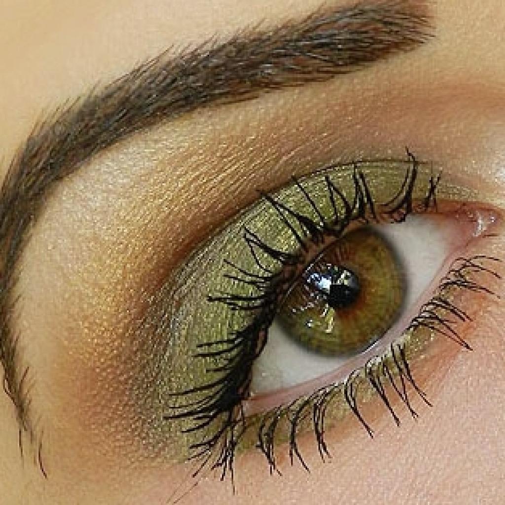 Макияж карих глаз зелеными тенями