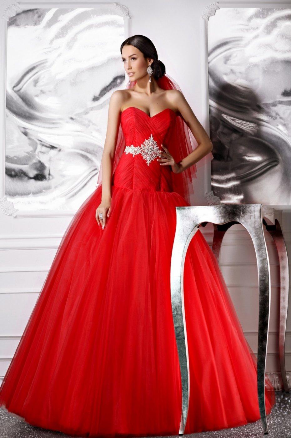Красное платья на свадьбу фото