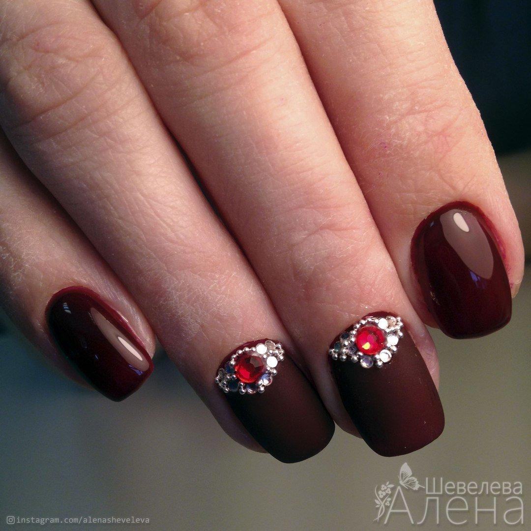 Модный цвет марсала фото на ногтях
