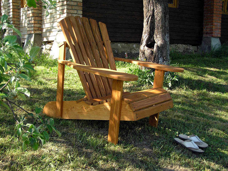 Деревянный шезлонг кресло