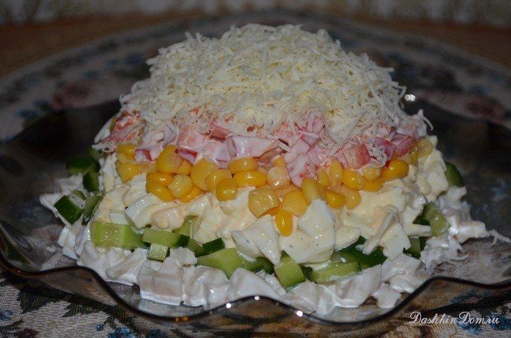 Салат из кальмаров маринованных и яйцо