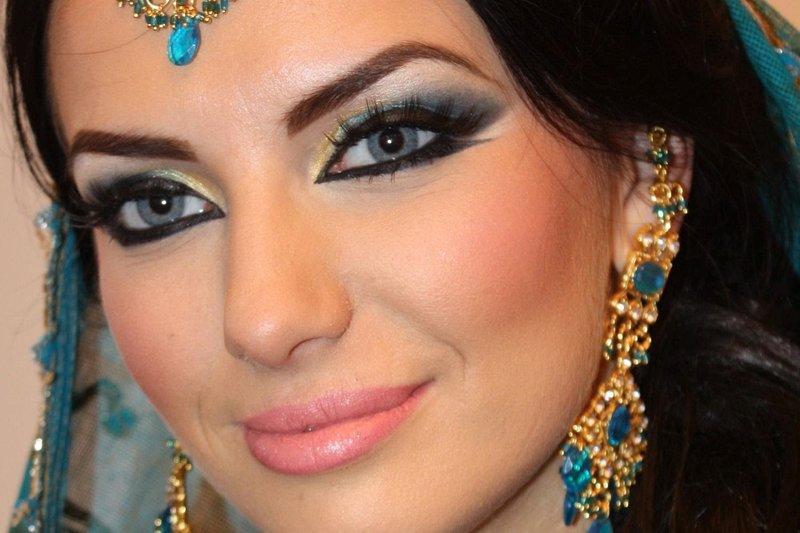 Глаза с арабским макияжам