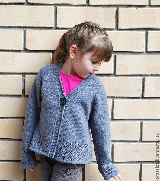 Кардиган для девочки 4 года вязание на спицах 519