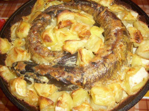 Щука в духовке картофелем рецепт