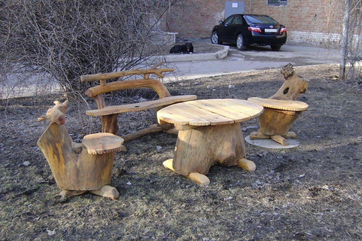Фото поделок из дерева во дворе