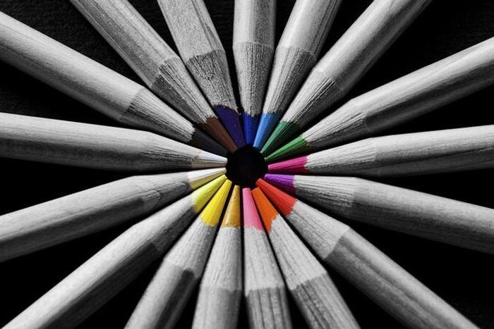 Как сделать черно-белое с цветными элементами