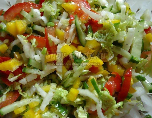 Салат с пекинской капусты помидор огурцов рецепт с