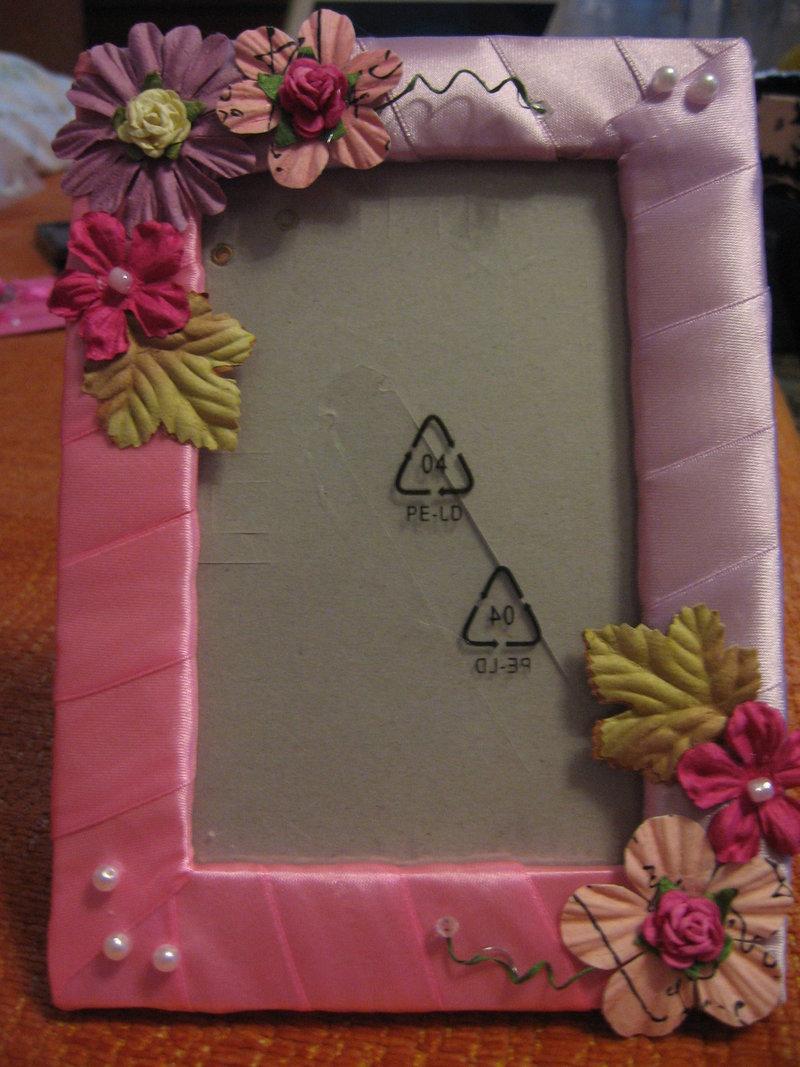 Как украсить рамку лентой