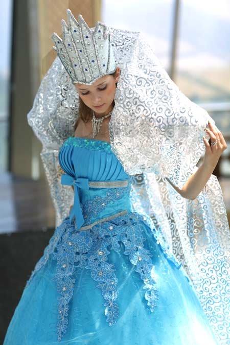 Как сделать своими руками костюм снежной королевы