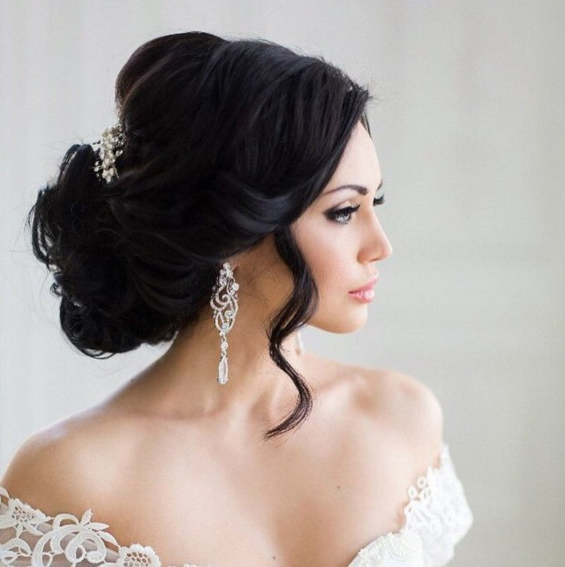 Красивые свадебные причёски для невесты